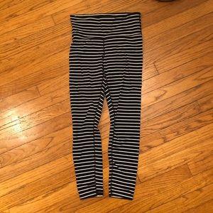 Athleta 7/8 leggings in Powervita fabric